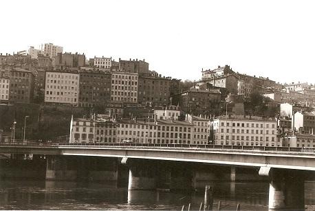 1964 PONT PENTE EST CROIX ROUSSE.jpg