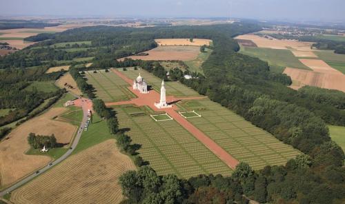 guerre des tranchées,guerre de 14-18,la grande guerre,monuments aux morts,cimetière militaire,nécropole militaire